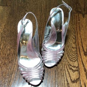 💕Pink silver sandals New with out tag💕